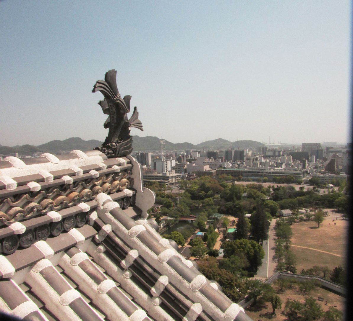 View of Himeji prefecture from the top of the castle - How to visit Himeji Castle