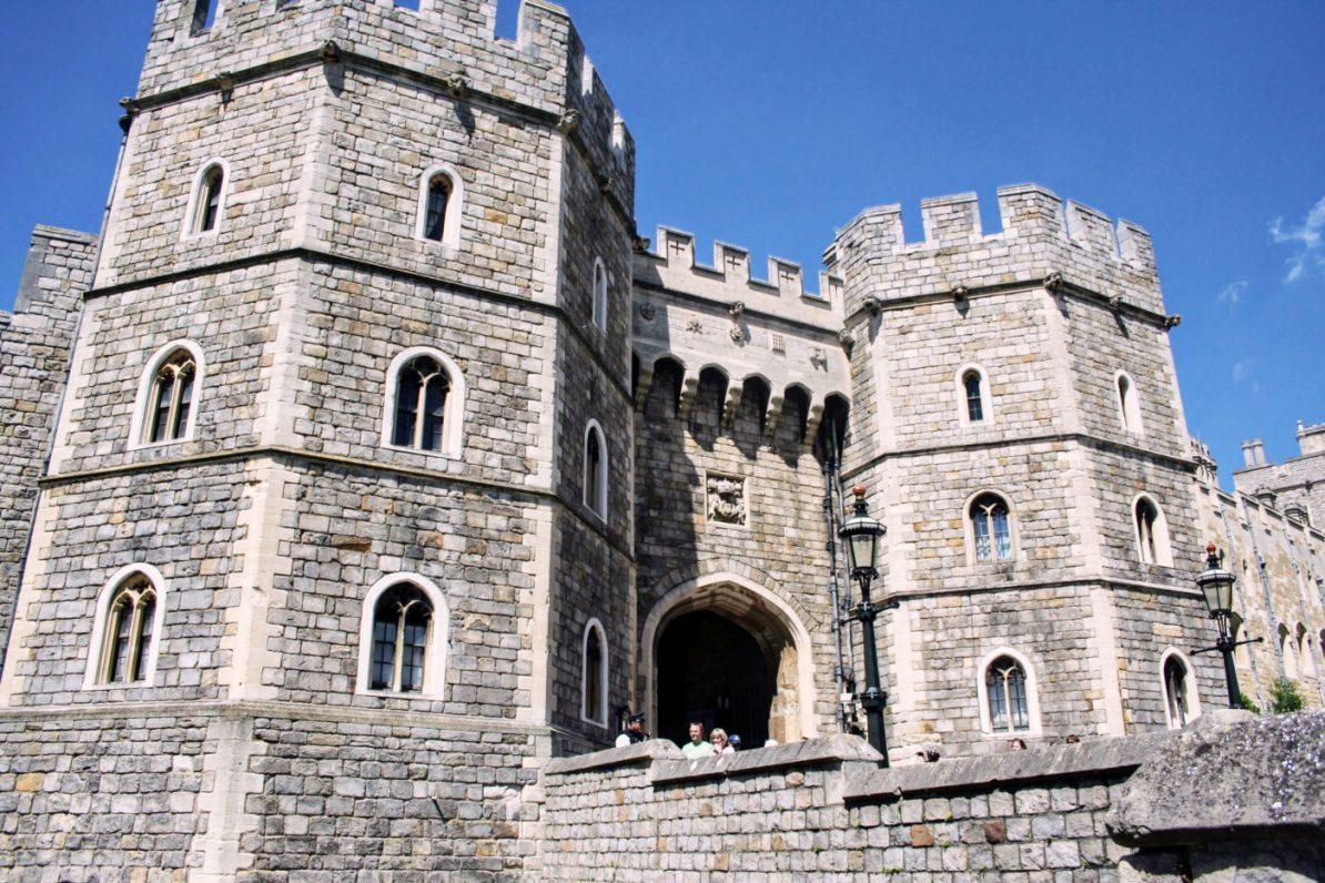 The Front Gates of Windsor Castle   How to Visit Windsor Castle