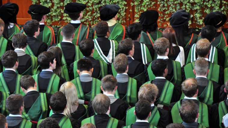 wonkhe-graduates-green