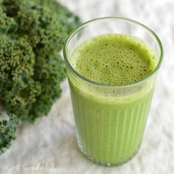Green Smoothie Recipe - Grapefruit and Kale - WonkyWonderful