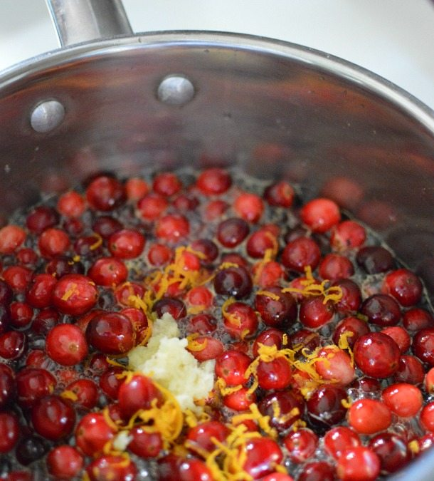 Easy Thanksgiving Cranberry Sauce Recipe