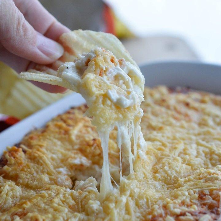 40 Clove Garlic Chicken Dip
