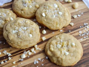 Pineapple White Chocolate Macadmia Nut Cookies