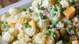 Bacon and Peas Easy Pasta Salad Recipe