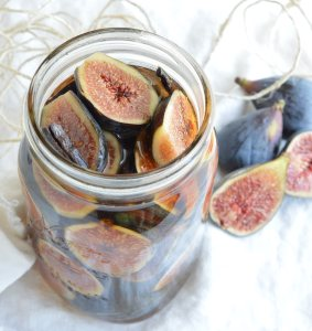 Amaretto Soaked Figs Recipe