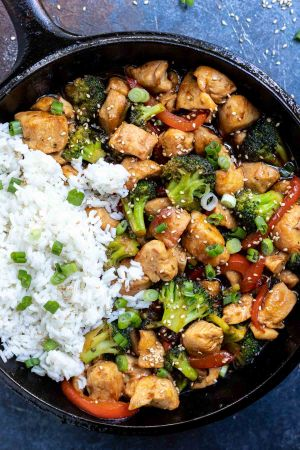 chicken broccoli and rice in pan