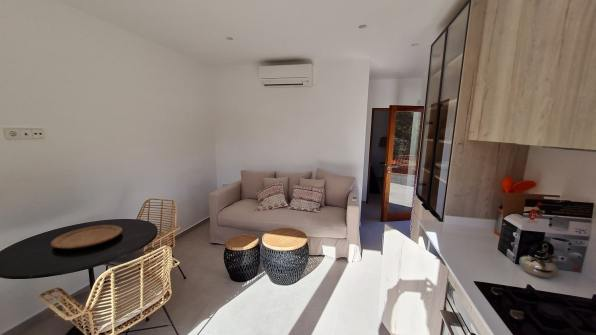 casita_livingroom-min