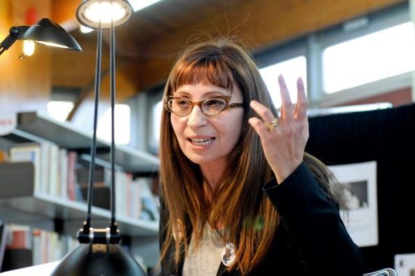 ariane-ascaride-lecture-a-la-mediatheque