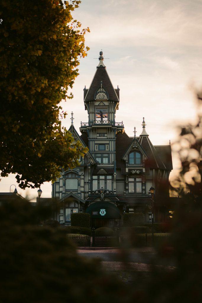 Carson Mansion Eureka - Eco travel - Green Destination