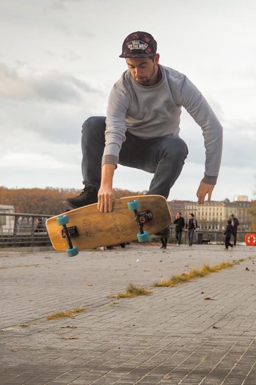 Session de skateboard avec la team WOODA BOARDS pour tester nos prototypes Bordeaux-Rive Droite.