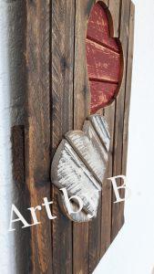 Wandboard mit zwei Herzen rot und weiss