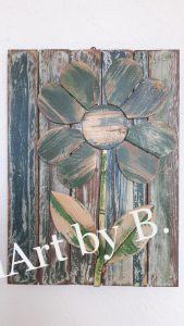 Bild mit Blume aus Altholz