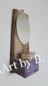 Spiegel mit Teelicht aus altem Brett und Palettenklotz