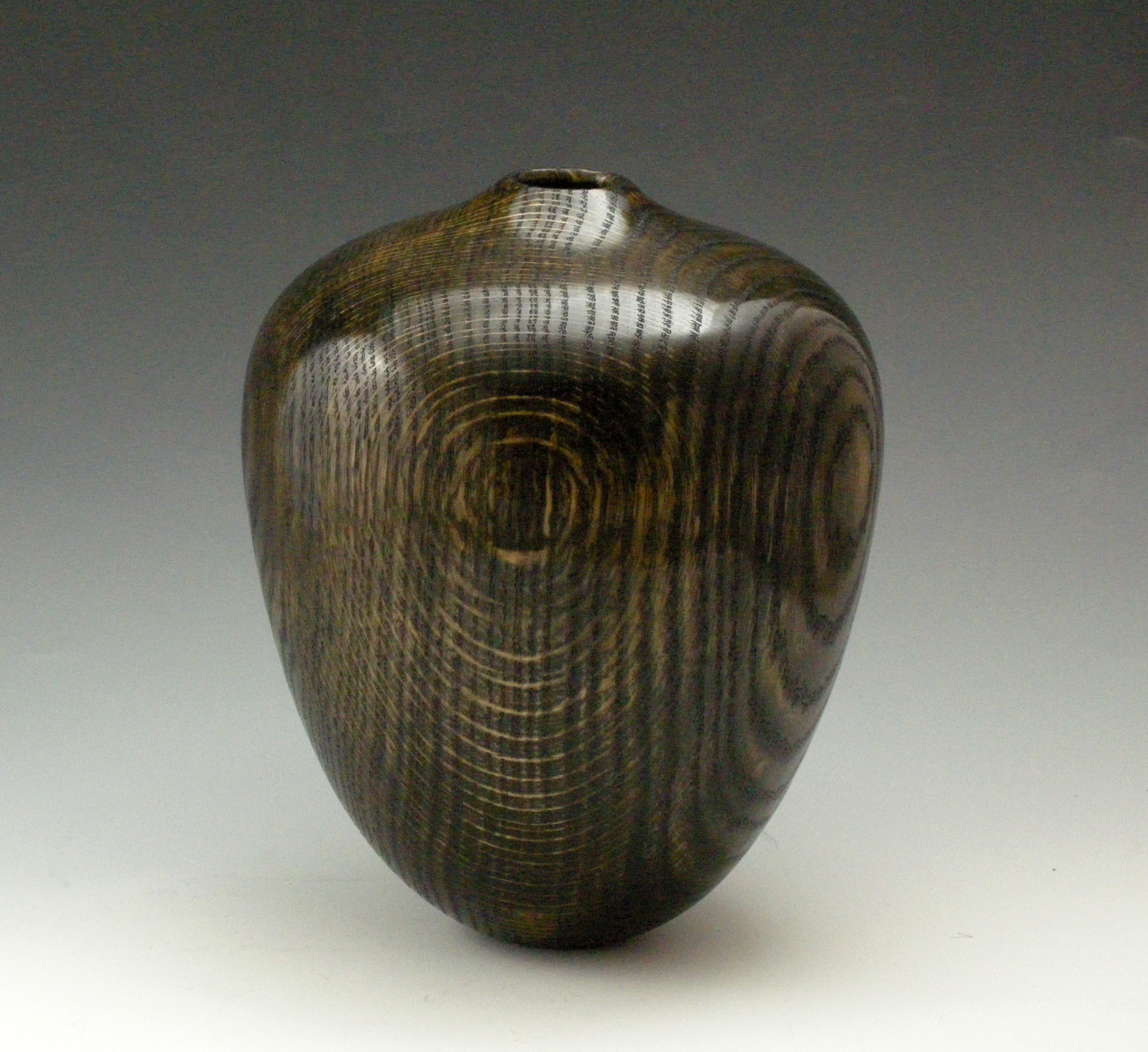 Black & Gold Vessel