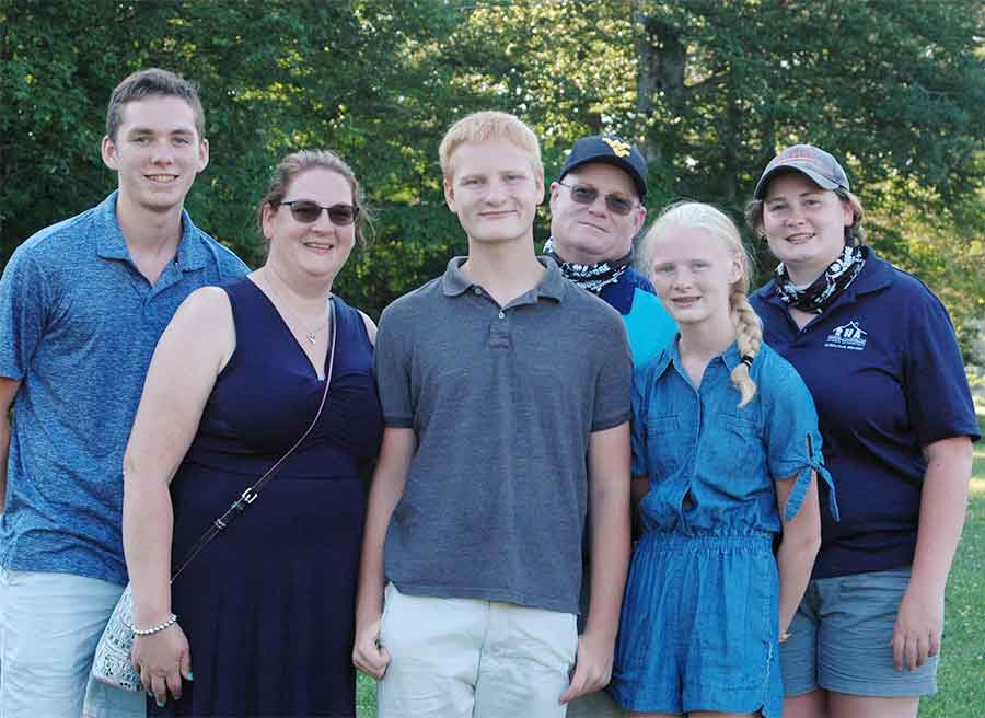 A.J. Pocwierz Earns Woodbridge First Selectman's Youth Award