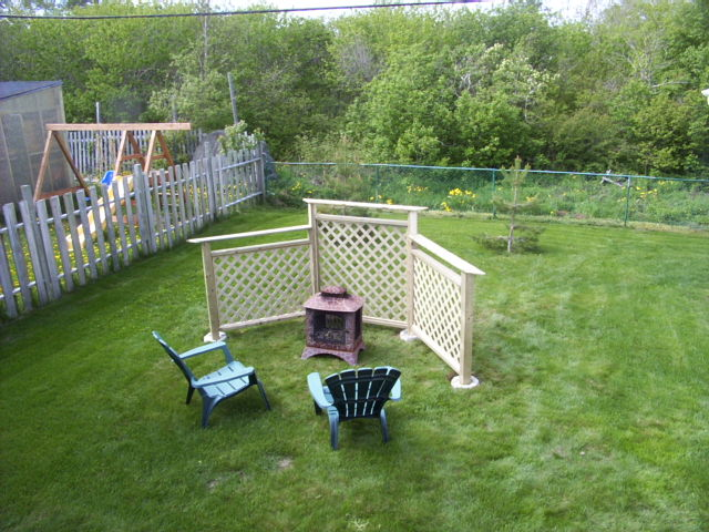 Finishing a fire pit fence