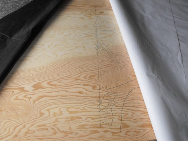 Aligning carbon tracing paper