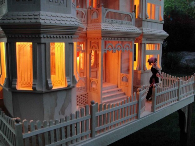 night time Victorian Dollhouse woodworking plan