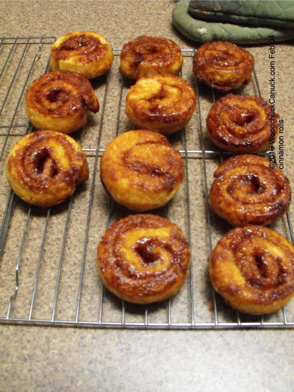 cinnamon rolls,home baking
