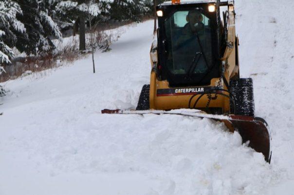 skidsteer,winter,snow clearing