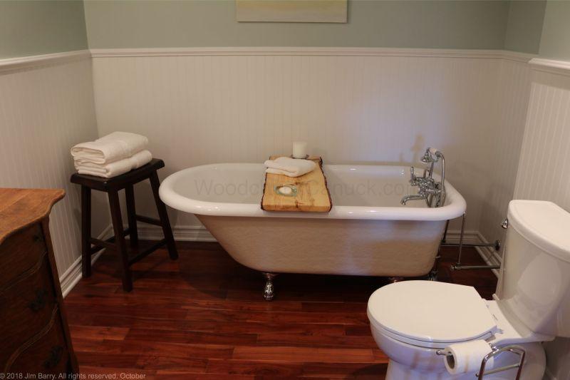 DIY Live edge bathtub tray
