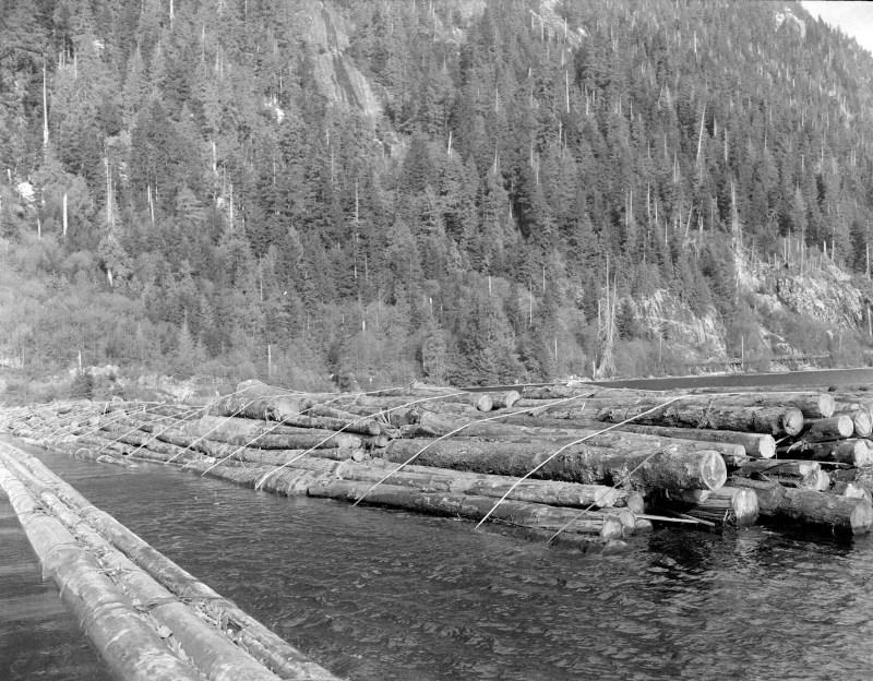 1944 Davis Raft at Pacific Mills.