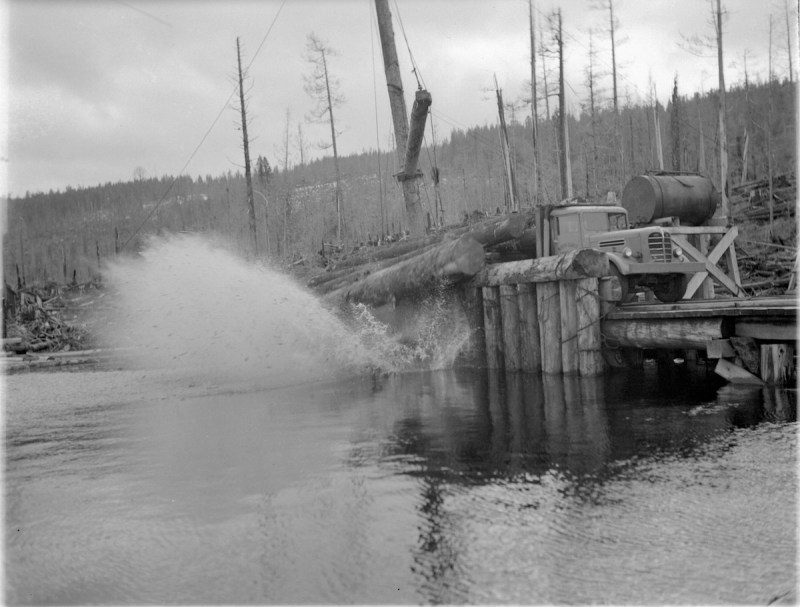 1945 Logs being made into a Davis Raft for Pacific Mills