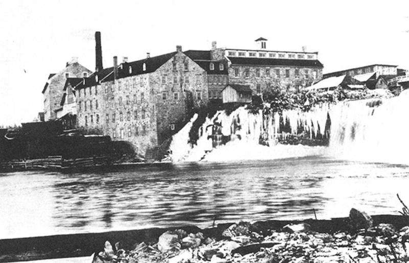 1900 Edwards Mill, Ottawa, Ontario