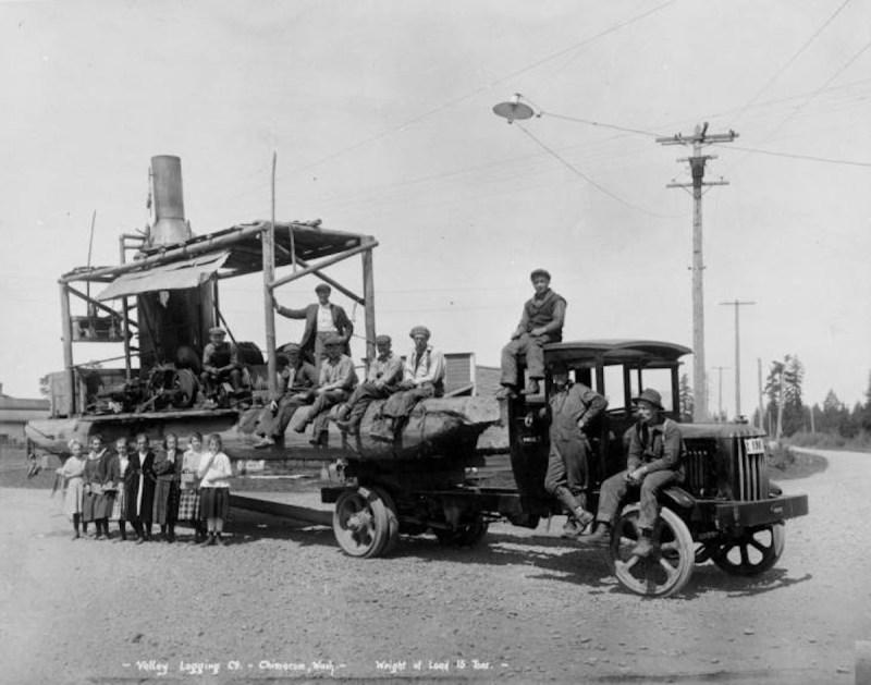 1918 Valley Logging Co. hauling steam donkey, Chimacum, Washington.