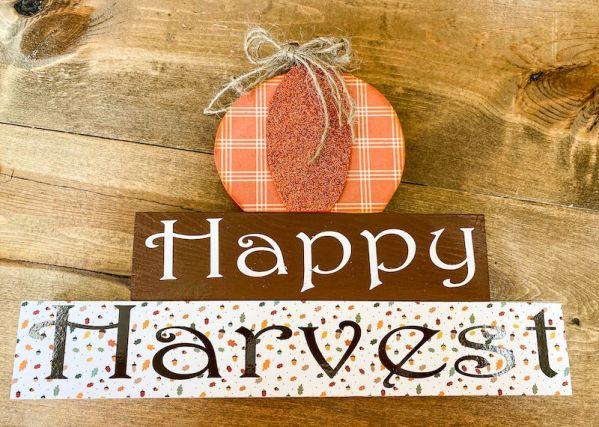 Happy Harvest Pumpkin on Blocks