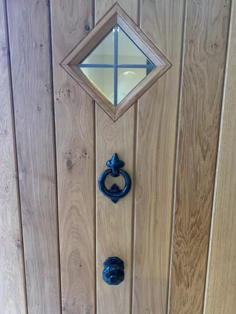 door detail2.web