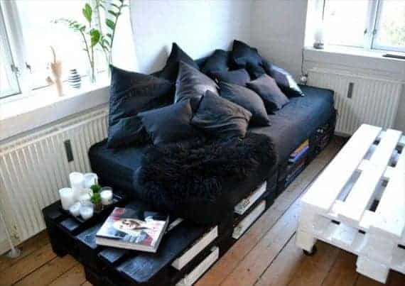 black-stained-pallet-storage-friendly-sofa-with-side-table
