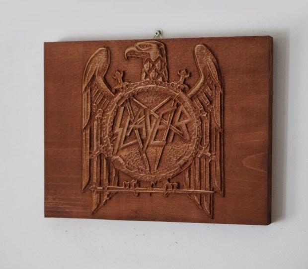 дървено лого