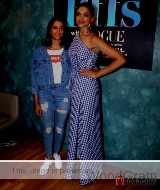 Deepika Padukone With Her Sister Images