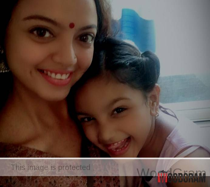 Sheetal Maulik With Her Daughter
