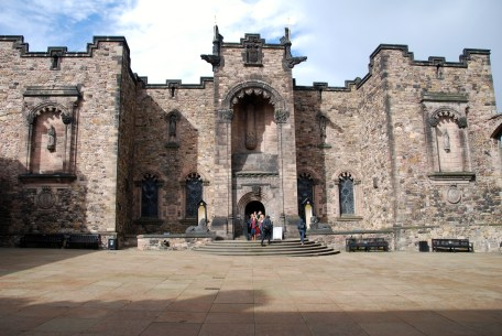 Edinburgh Castle - Scotland War Memorial