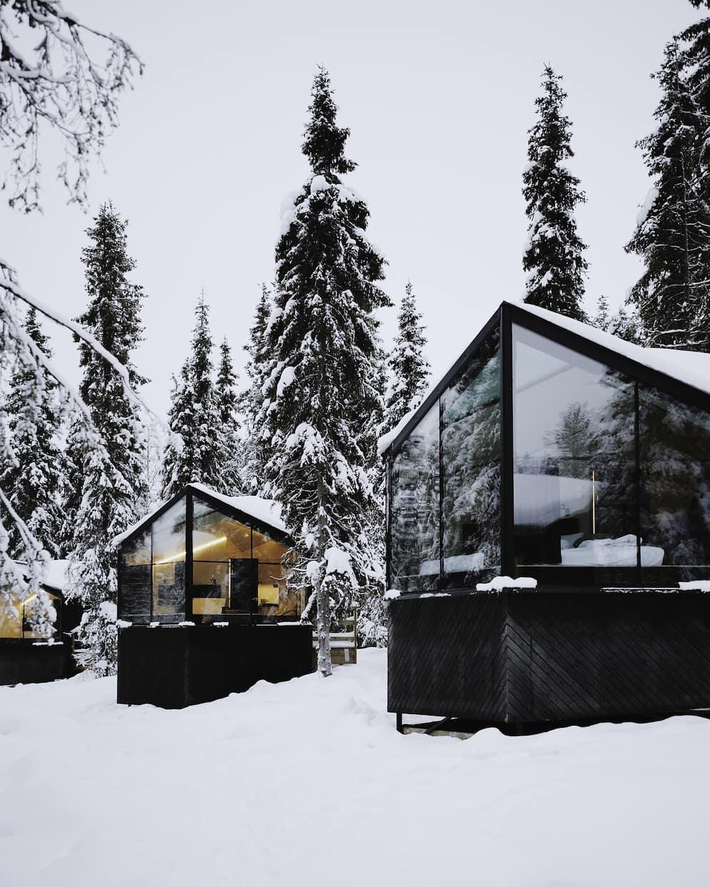 Woodio reference - Magical Pond Igloo Village in Kuusamo Finland