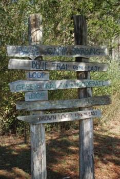 02parking_lot_trails_sign
