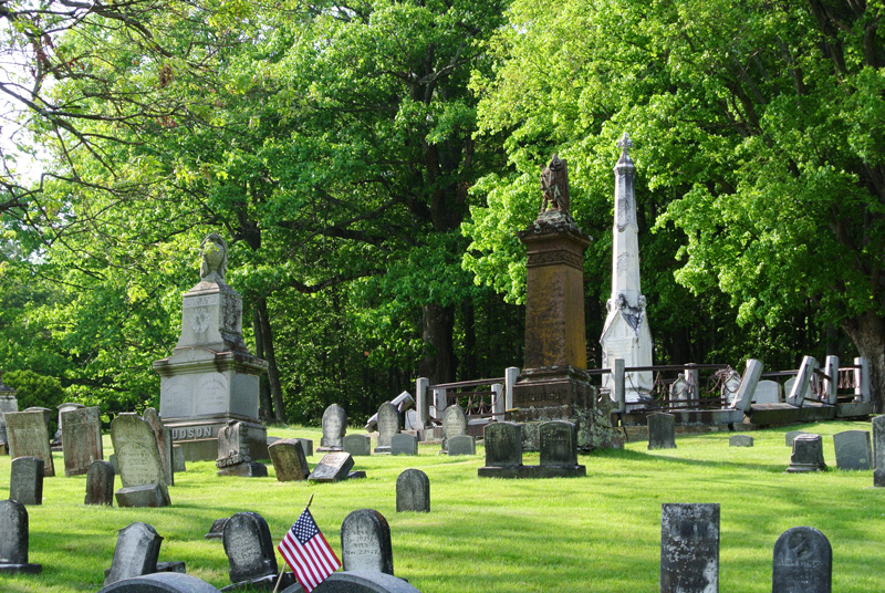 Woodlands Cemetery, top of the hill, photo by Sara Kelly Graphics