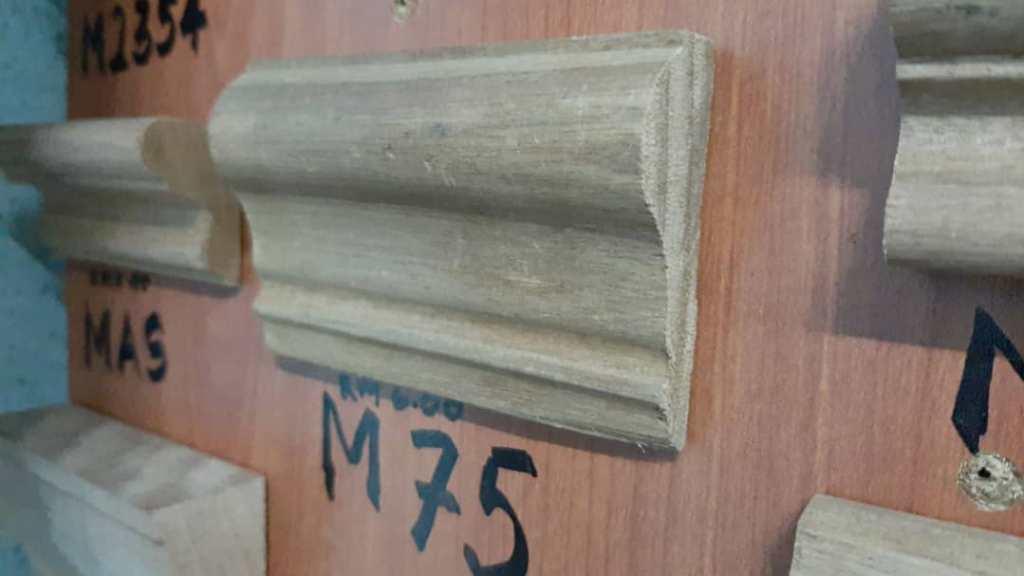 Kayu Nyatoh Skirting M75 For Wainscoting