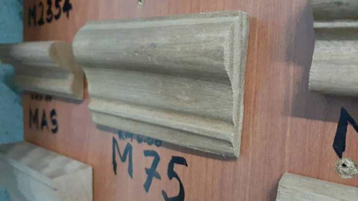 Kayu Nyatoh Skirting M75 For Wainscoting