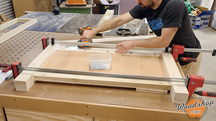 Footboard Assembly Pocket Hole Joinery DIY Farmhouse Platform Bed