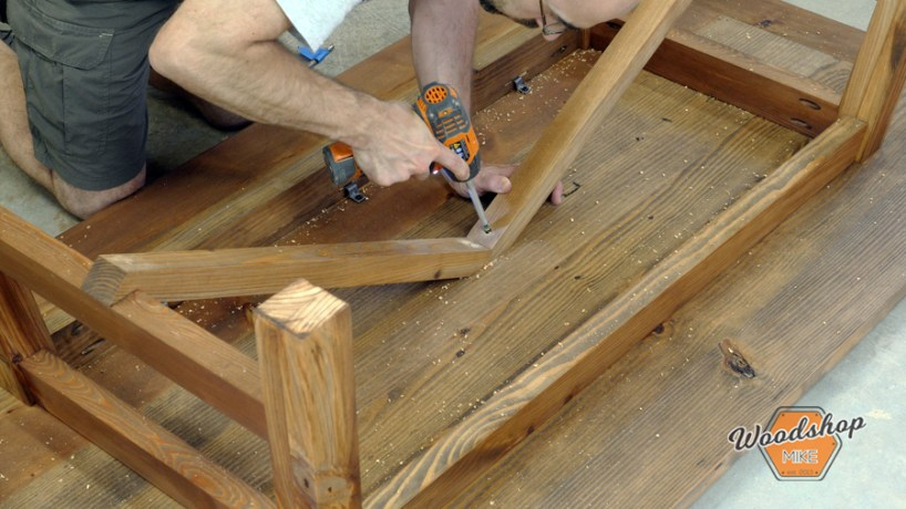 installing table base stretcher