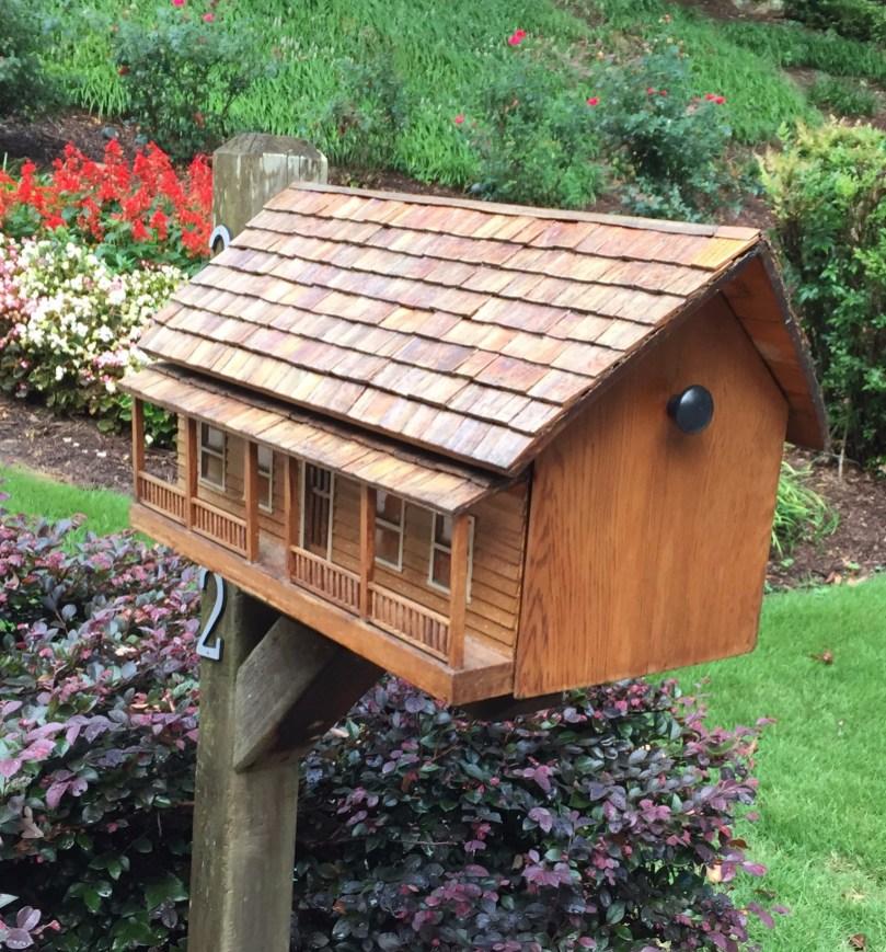 Custom cedar mailbox