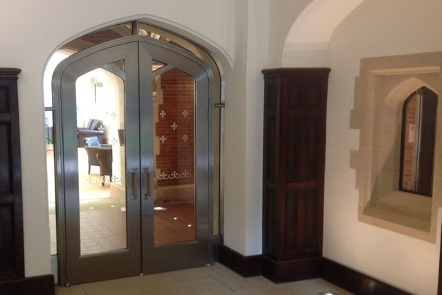 UFSO135 St John's College Cambridge | Woodwood Door Controls