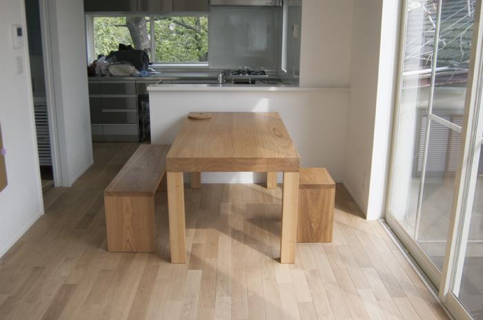 オーダー家具の納品|アッツテーブルのダイニングテーブルセット