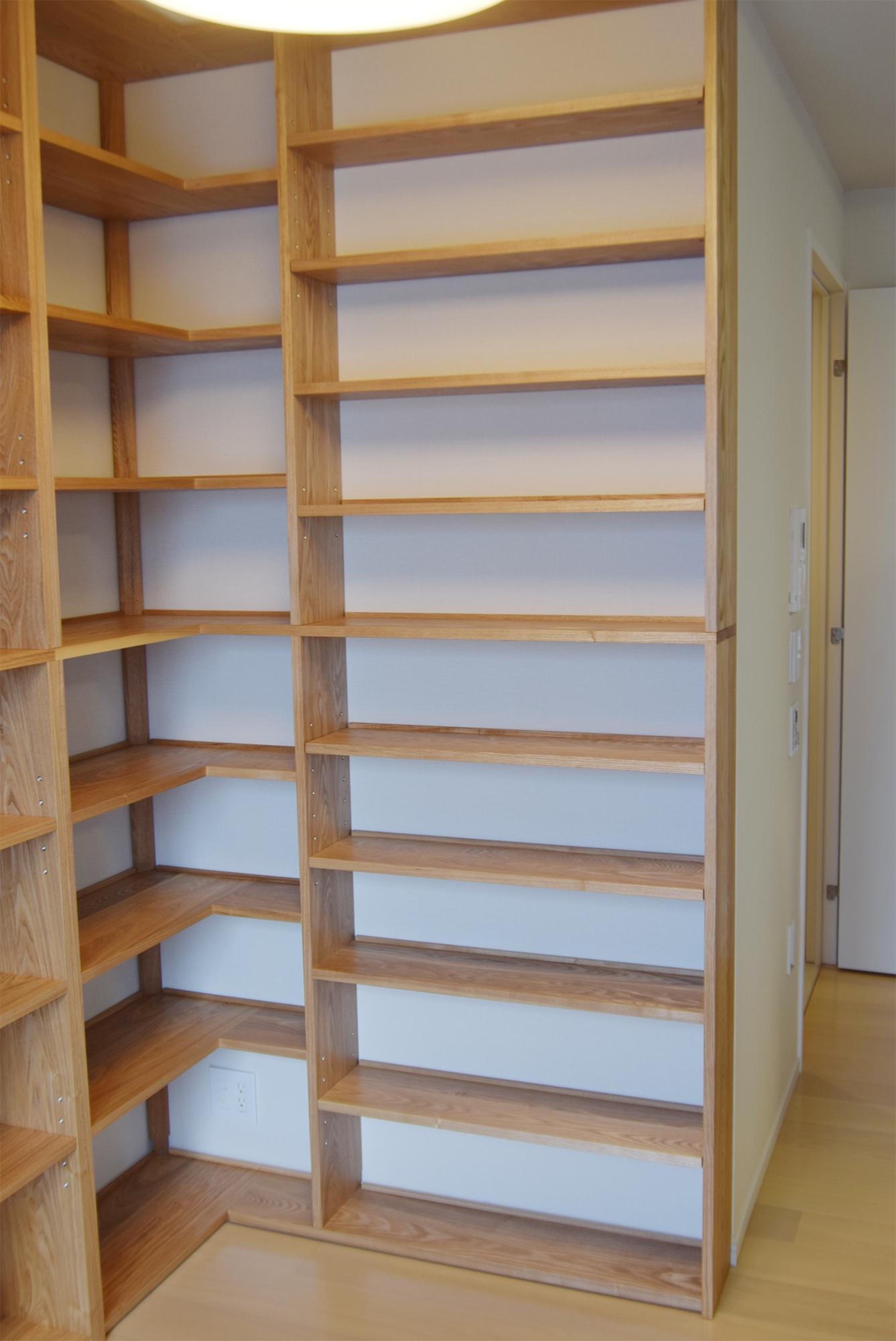 TANA 壁面いっぱいの本棚 タモ材 右側側壁面