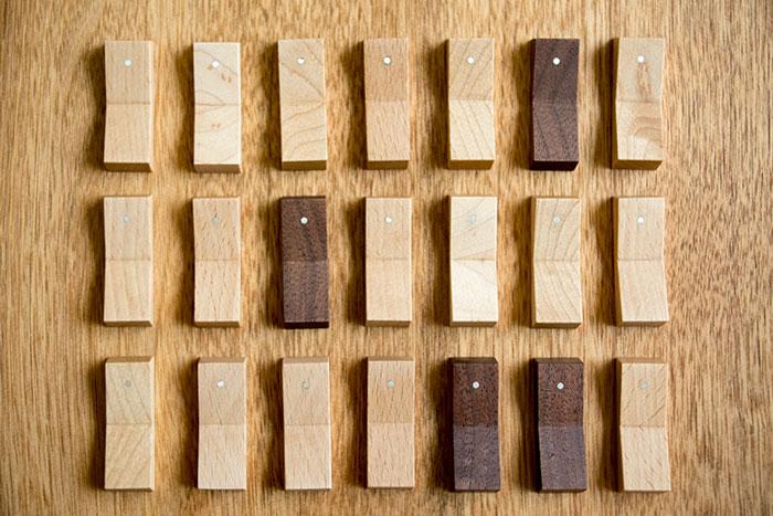 スイッチの形をした木の箸置き
