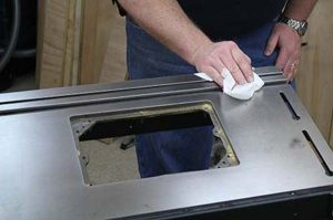 How to Remove Rust from Table Saw