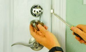 How to Install a Deadbolt Lock to Improve Home Security